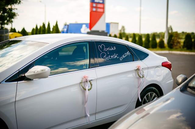 samochód ślubny, dekoracja samochodu,marker kredowy