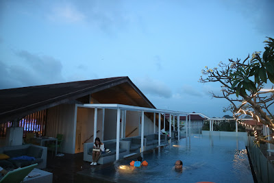 Lunner and Swimming in Best Western Kuta Beach Hotel Rooftop Pool
