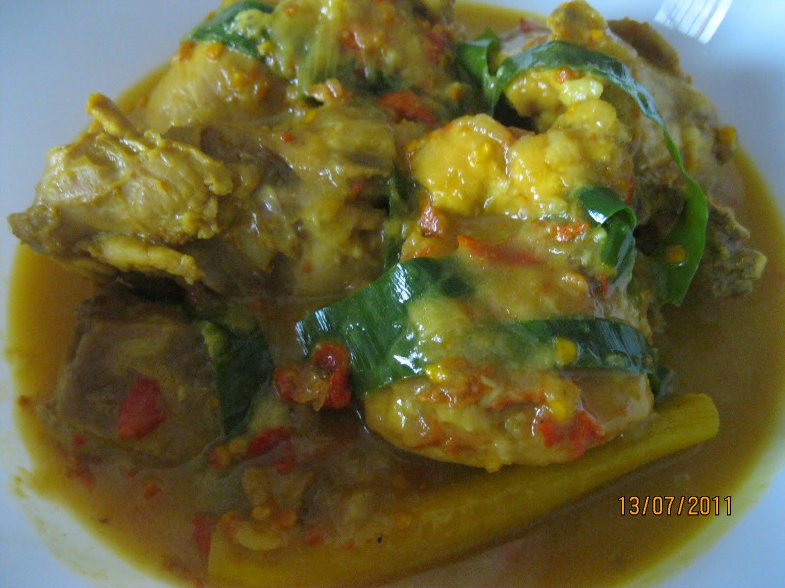 Dari Dapur Maklong: Ayam Masak Gulai Tempoyak