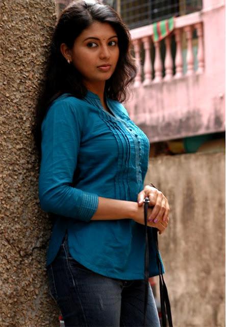 Nimisha Suresh hot Malayalam actress