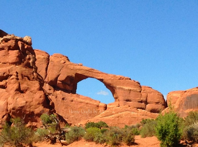 Arches national park skyline arch red rock