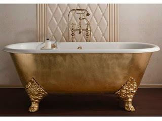freistehende badewanne gold