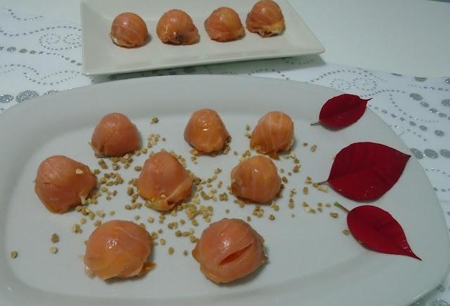 Bombones de salmón y queso crema