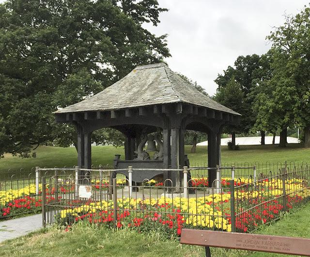 Royal Naval Volunteer Reserve memorial bell.  Crystal Palace Park, 10 August 2016.
