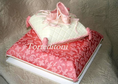 Pillow Cake Tutorial by Toni Brancatisano