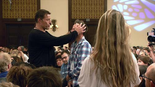 Tony Robbins in Tony Robbins: I am Not Your Guru