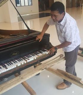 Tukang Service Piano, Jasa Service Piano, Service Piano