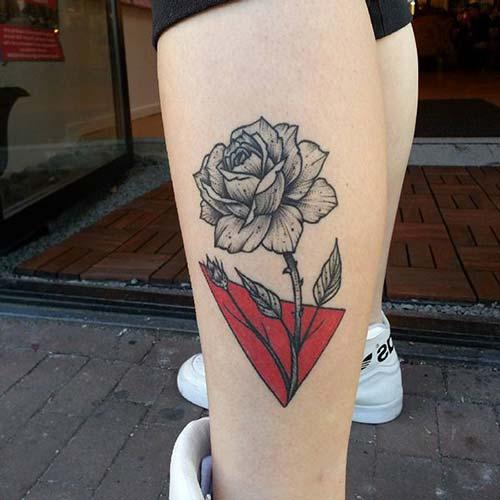 calf rose tattoo baldır gül dövmesi