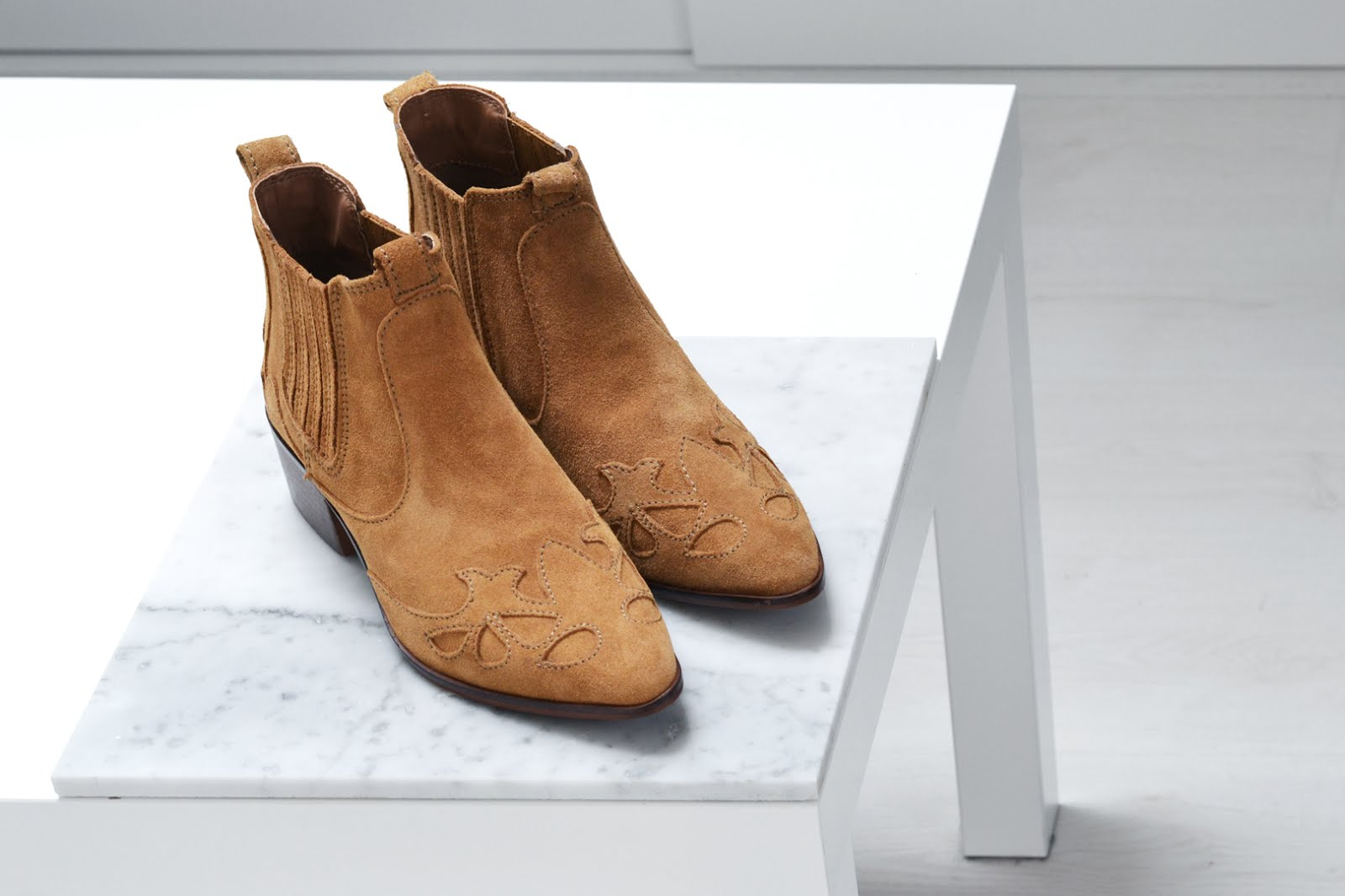 Zara, country style, ankle boots, pointy, camel, brown, acne jensen, inspired, budget, alternative, new in, belgian fashion blogger, belgische mode blogger