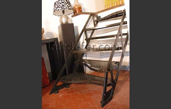 L 39 art de fer petit escalier marches altern es petite for Petit escalier 4 marches