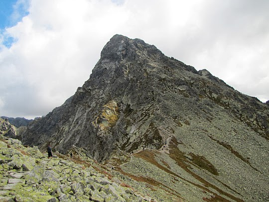 Świnica (słow. Svinica, 2301 m n.p.m.).