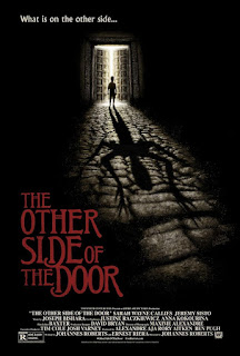 El otro lado de la puerta<br><span class='font12 dBlock'><i>(The Other Side of the Door )</i></span>
