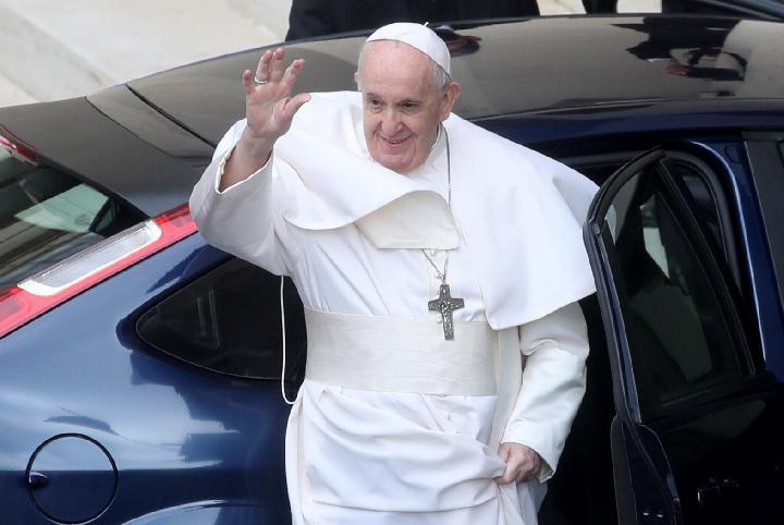 Tips Hidup Sehat Yang Dapat Ditiru Dari Paus Fransiskus