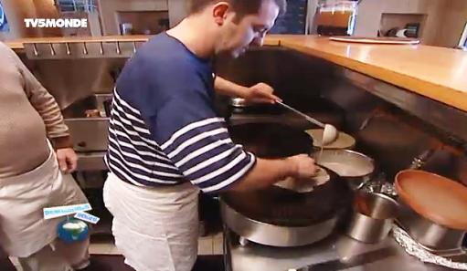 http://cabouge.tv5monde.com/france/bretagne/video-principale/une-recette-de-crepes/