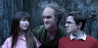 http://www.recenserie.com/2017/01/lemony-snickets-series-of-unfortunate_17.html