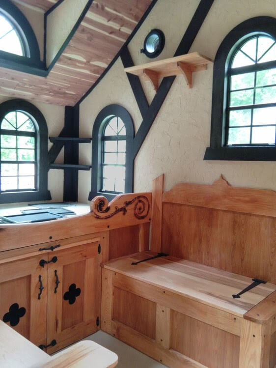 04-Sitting-Room-Area-Steve-Auth-Woolywagons-Tiny-House-The-Tudor-Cottage-Architecture
