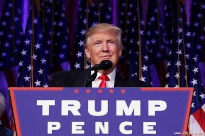 Lượt tìm kiếm vé máy bay một chiều rời Hoa Kỳ tăng vọt sau khi Trump đắc cử