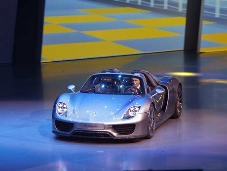 Foto Porsche 918 Spyder Mobil Termahal Super Cepat