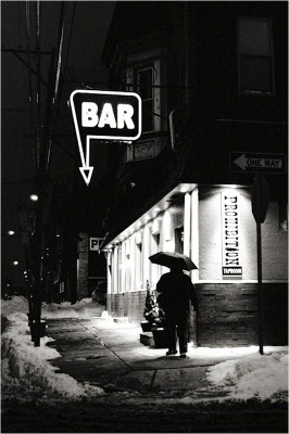 http://joeinct.tumblr.com/post/141306670232/bar-photo-by-vivian-maier
