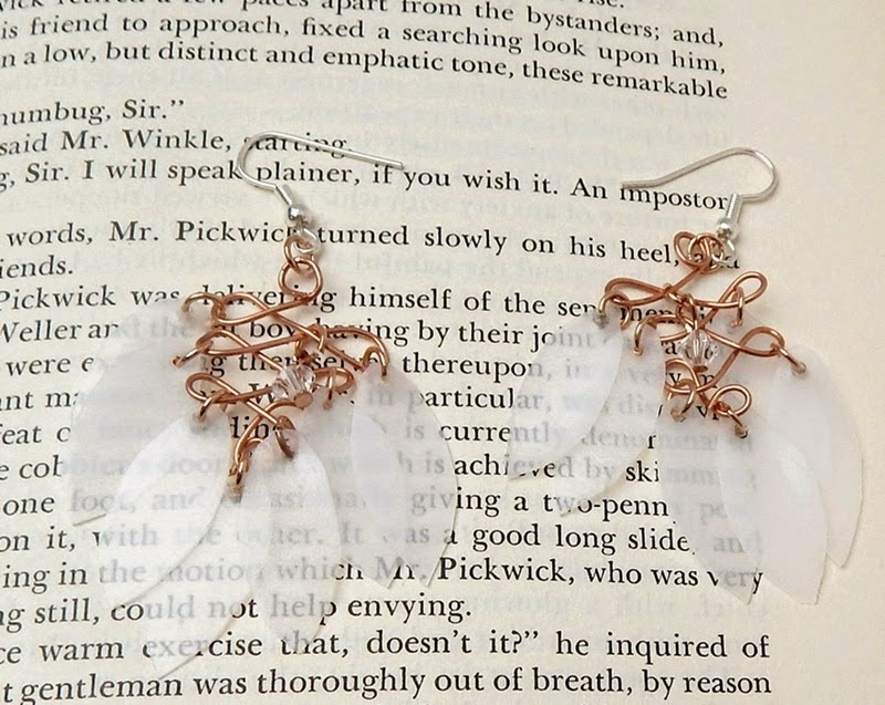 How to make leaf earrings from copper wire and re-purposed plastic milk jugs