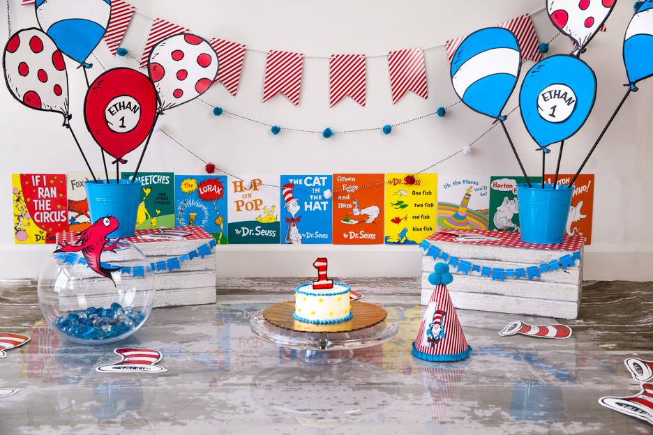 Dr Seuss First Birthday Decorations  from 4.bp.blogspot.com