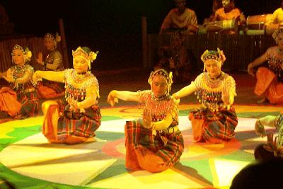 Tari Makyong Pertunjukan Tarian Tradisional Kepulauan Riau