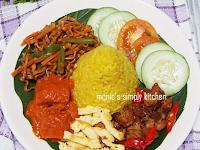 Pengalaman Unik : Mendapat Hadiah  Nasi Tumpeng Mini Dari Monic's Simply Kitchen, Tapiiii….