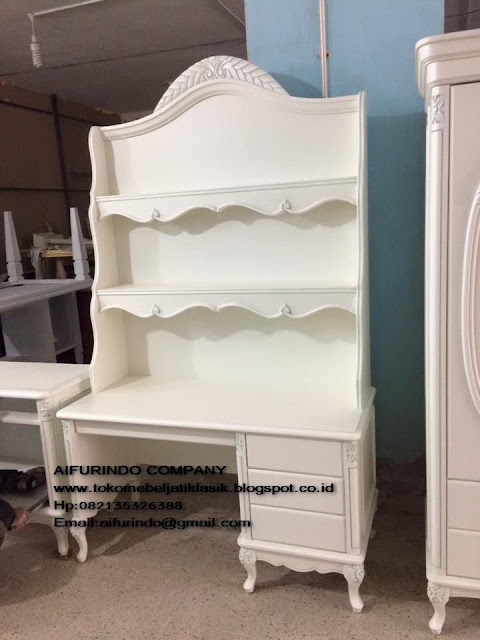 Buffet duco white painted,buffet duco ukir jepara,buffet duco french style,furniture mebel jepara,toko mebel jati klasik,furniture Jati Klasik duco mewah,code A1012,Jual Mebel Jepara|Mebel jati Jepara|Mebel ukiran Jepara|toko Mebel jati klasik|Mebel Classic Eropa|Mebel klasik|Mebel ukir jepara|Mebel Duco|Mebel French style|Furniture Vintage Jakarta|Mebel jepara baru|Mebel jepara Kualitas|Furniture Mebel jepara