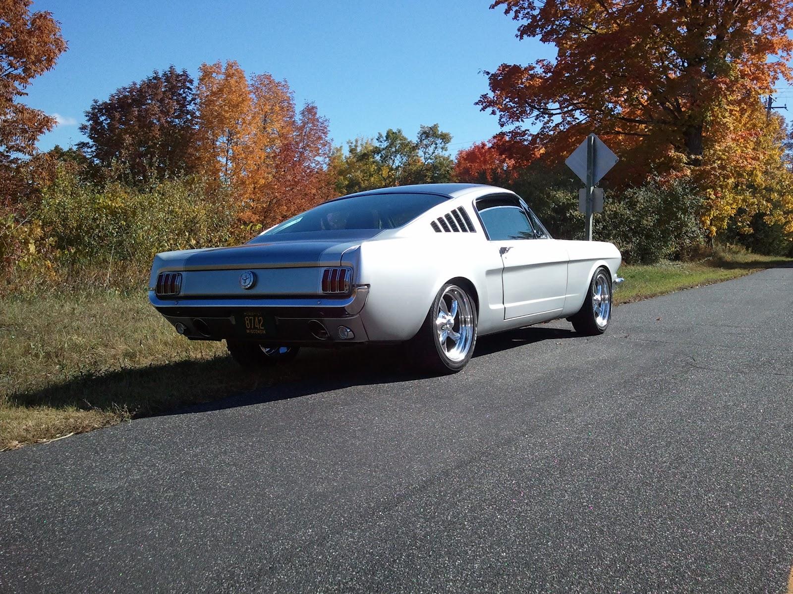 Mustang Fastback Restomod
