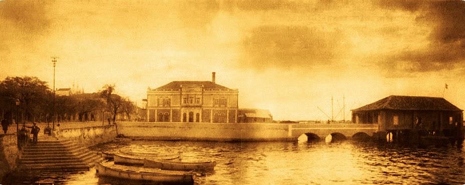 Porto Alegre: Praça da Alfândega e Escadaria para o Lago Guaíba, 1900