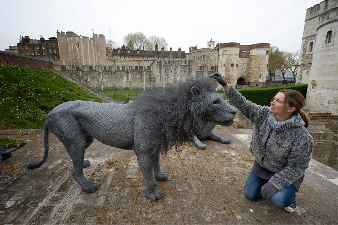 21-Lion-Kendra-Haste-Galvanised-Wire-Animal-Sculptures-www-designstack-co