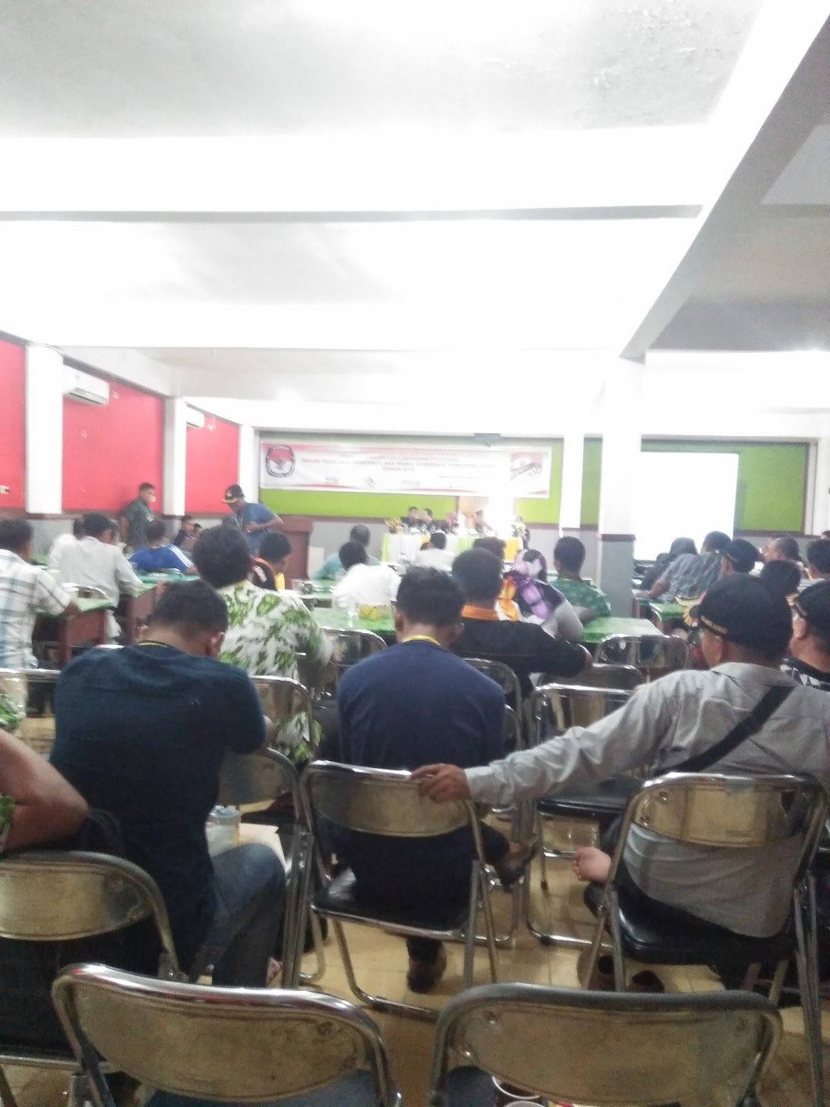 Suasana di Grans Hotel Labura Aek Kanopan saat berlansung Rapat Pleno DPT tingkat Kabupaten Pilgubsu dan Wagubsu tahun 2018.