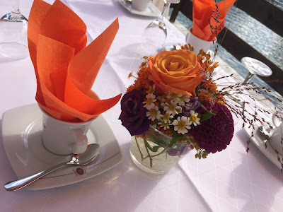 Kaffeegedeck Herbst-Hochzeit in den Bergen, Lila, Orange, Riessersee Hotel Garmisch-Partenkirchen, Bayern, Autumn wedding in Bavaria, Lilac and Orange