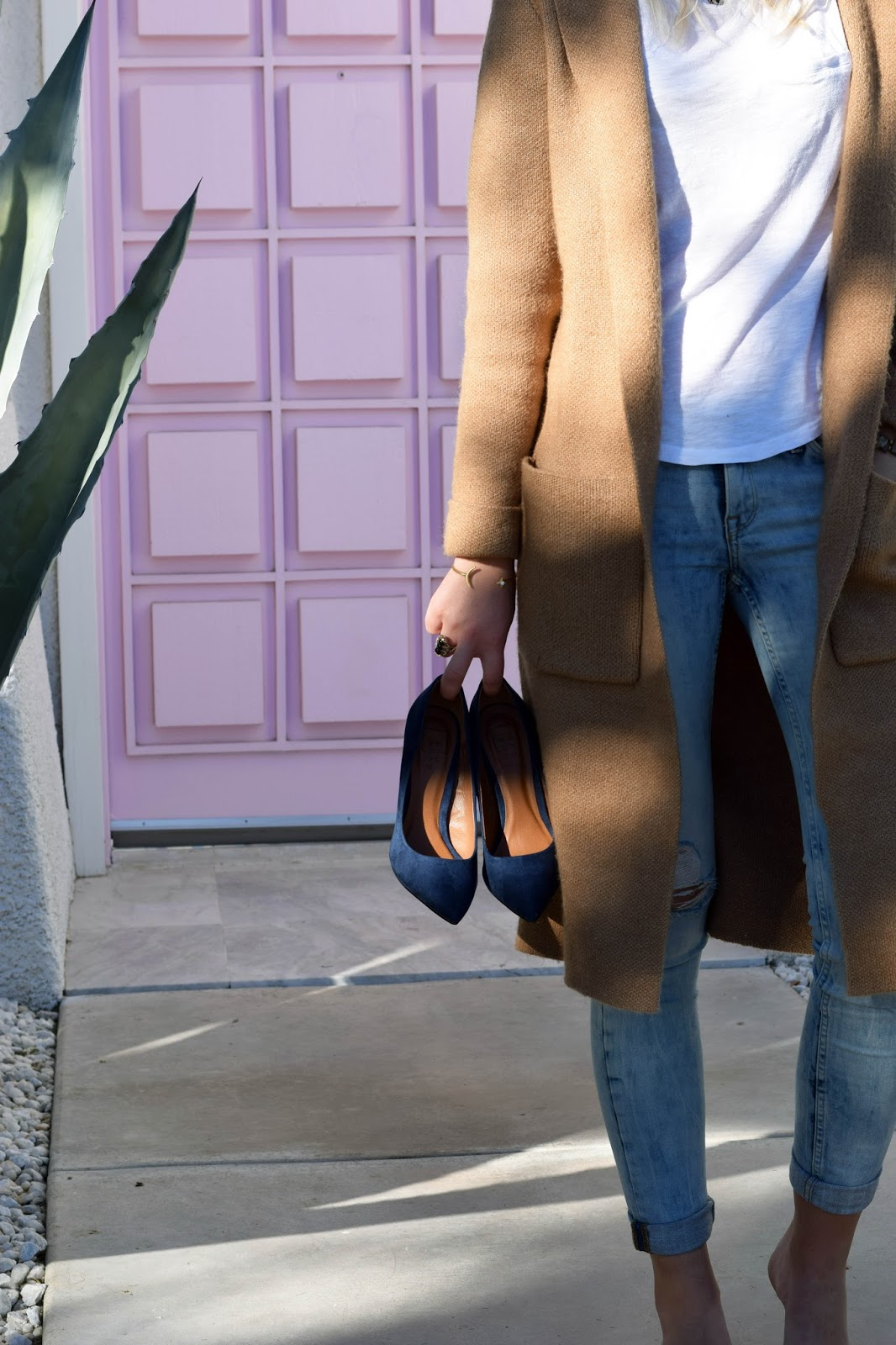 shushop, long cardigan, blue heels, palm springs, pink door