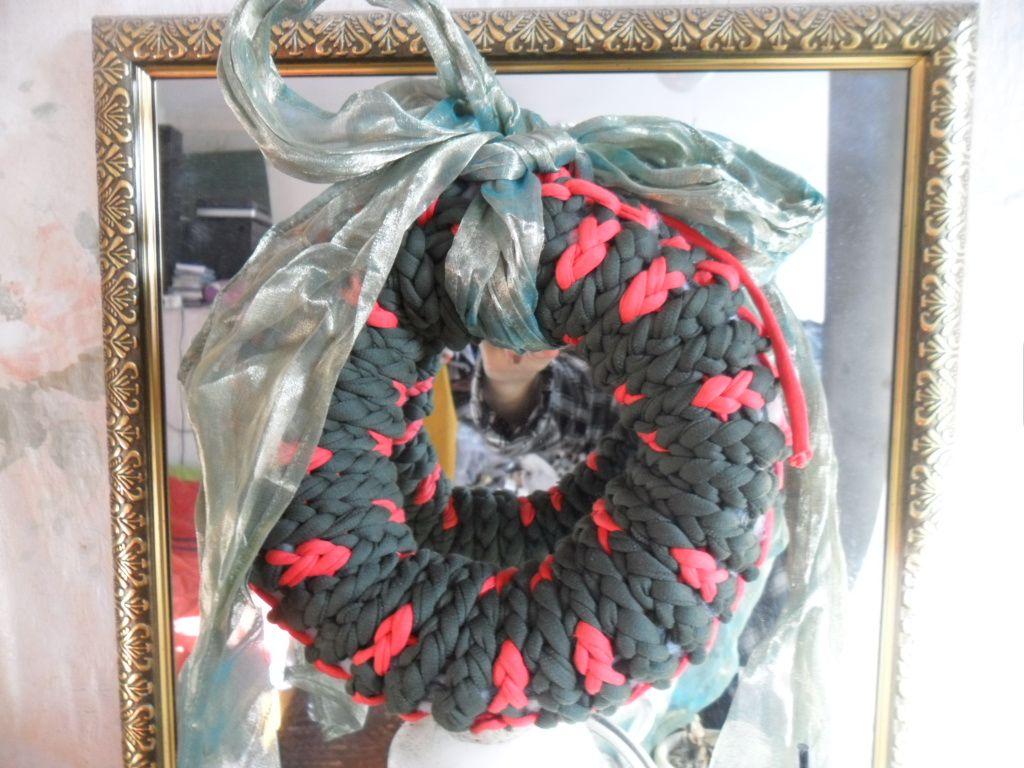Le tricotin g ant belge comment faire une couronne de no l au tricotin g ant - Comment faire une couronne de noel ...