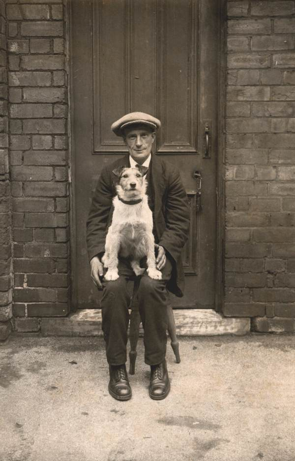 All The Girls Standing In The Line For The Bathroom: Interesting Old Photographs Of Dogs And Their Owners