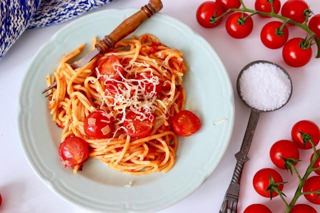 spaghetti paprykowe