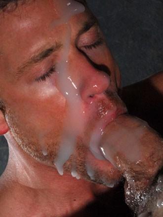 Gozadas da Boca - Gay bebendo porra