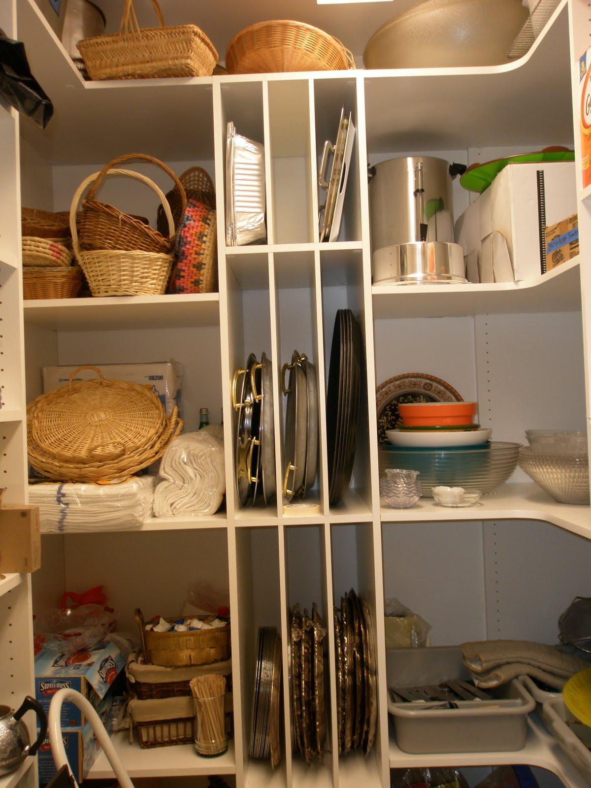 Malka In The Closet: CUSTOM PANTRY