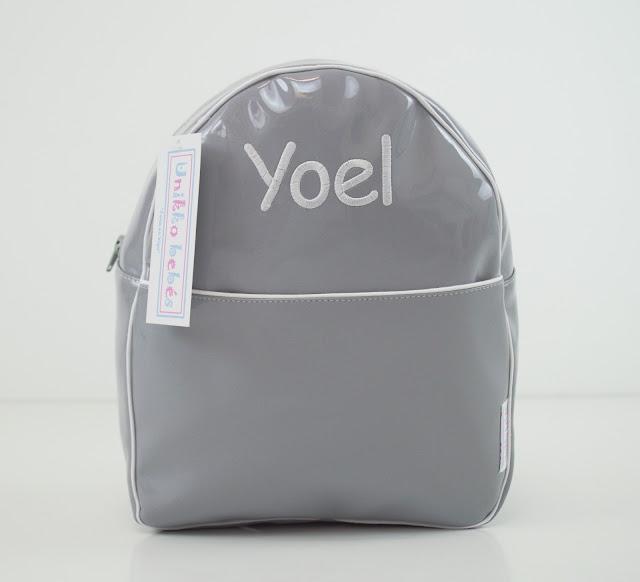 mochila guarderia charol gris