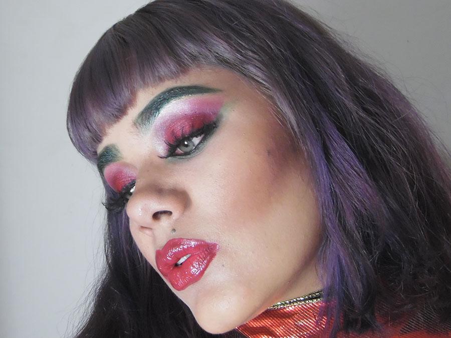 Vispera Navideña Strange Makeup