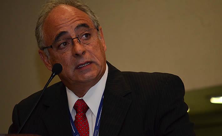El director General de la INA, Ramón Álvarez externó su confianza en la SE para que esta dependecia retire las medidas anunciadas de incremento en los aranceles para la importación del acero. (Foto: VI).
