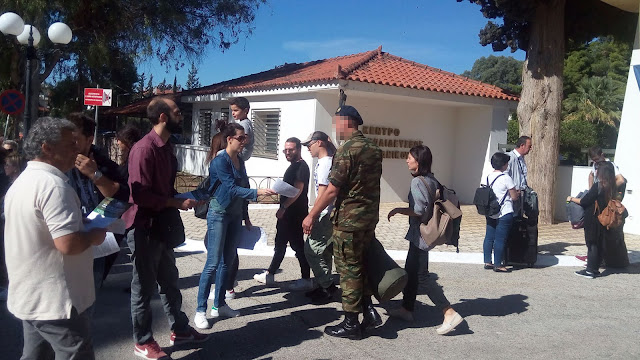 Εξορμήσεις στελεχών του ΚΚΕ σε Κέντρα Εκπαίδευσης Νεοσυλλέκτων
