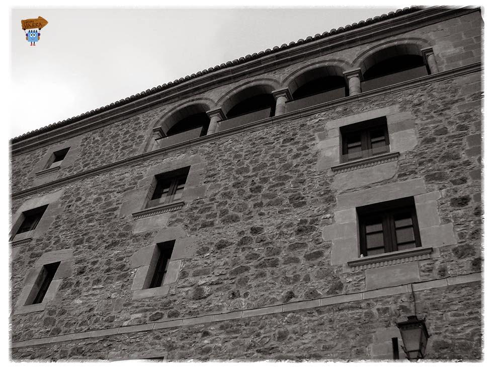 Palacio Allepuz - exterior