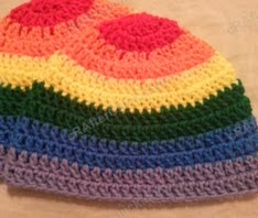 http://translate.googleusercontent.com/translate_c?depth=1&hl=es&prev=/search%3Fq%3Dhttp://crafterchick.com/gavins-dinosaur-friend-beanie-hat-crochet-pattern/%26safe%3Doff%26biw%3D1429%26bih%3D984&rurl=translate.google.es&sl=en&u=http://crafterchick.com/rainbow-gay-pride-striped-beanie-hat-crochet-pattern-for-teen-womens-men-sizes/&usg=ALkJrhiZbC6bF9XknWdu5CnEjljRZP5vBg