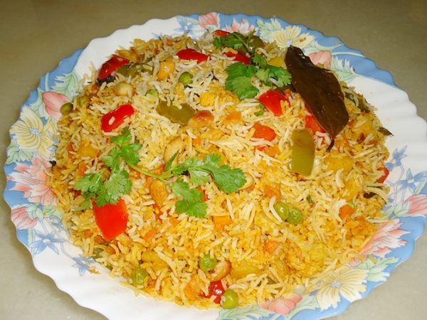 VEGETABLE BIRYANI: INDIAN STYLE