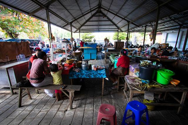 Mercato al Tempio Desa Batuan-Bali