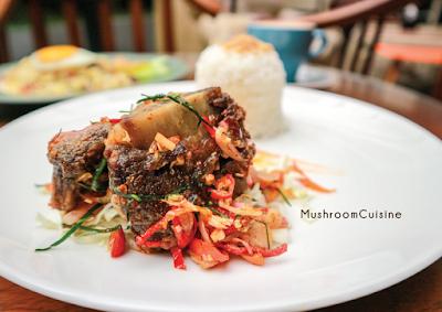Makan dan Ngopi Bernuansa Vintage Retro di Kopitera