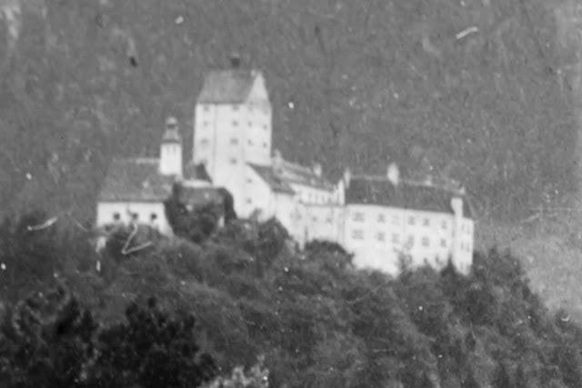 Schloss Hohenauschau Richtung Scheibenwand - 1920-1940 - Detail aus einem Selfie