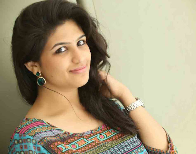 Supriya Aysola Profile Biography Family Photos and Wiki and Biodata, Body Measurements, Age, Husband, Affairs and More...